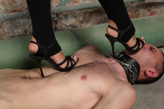 Trample Slave Spikey High Heels